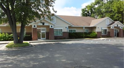 Beautiful medical or office space on West River Drive! Image