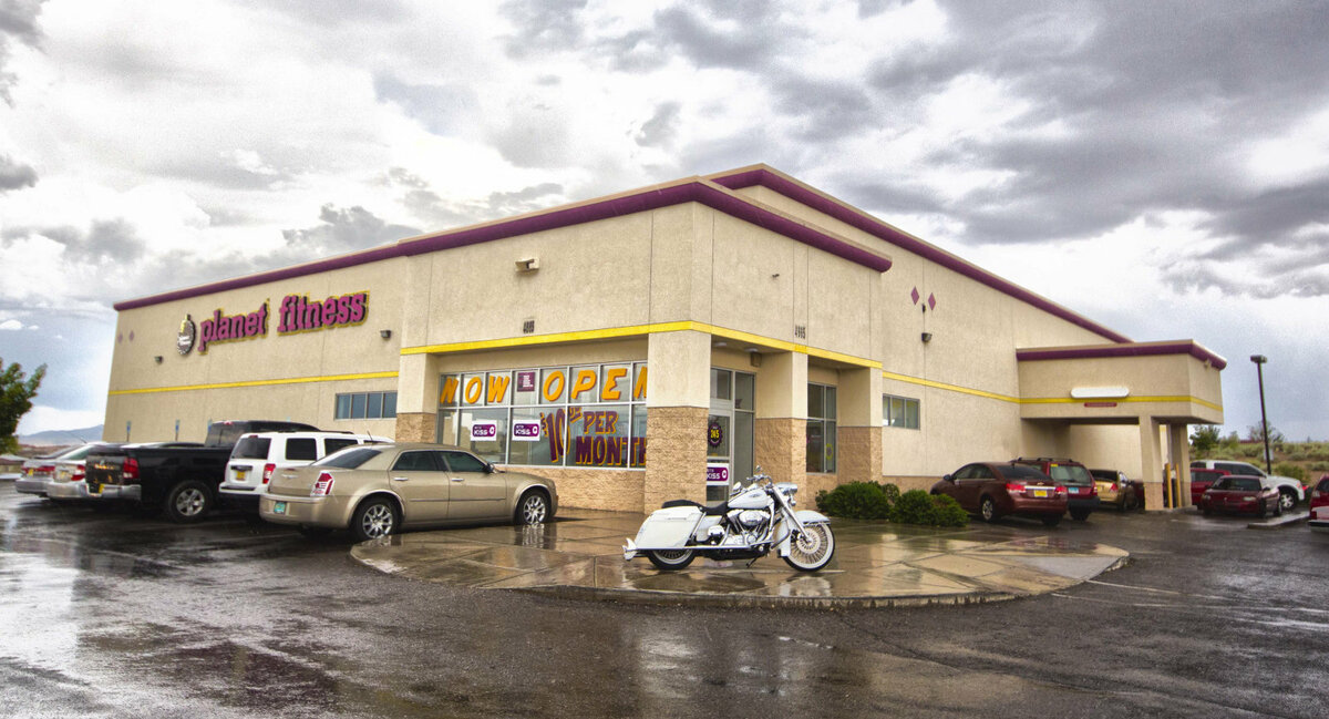 Retail Building For Sale In Irving