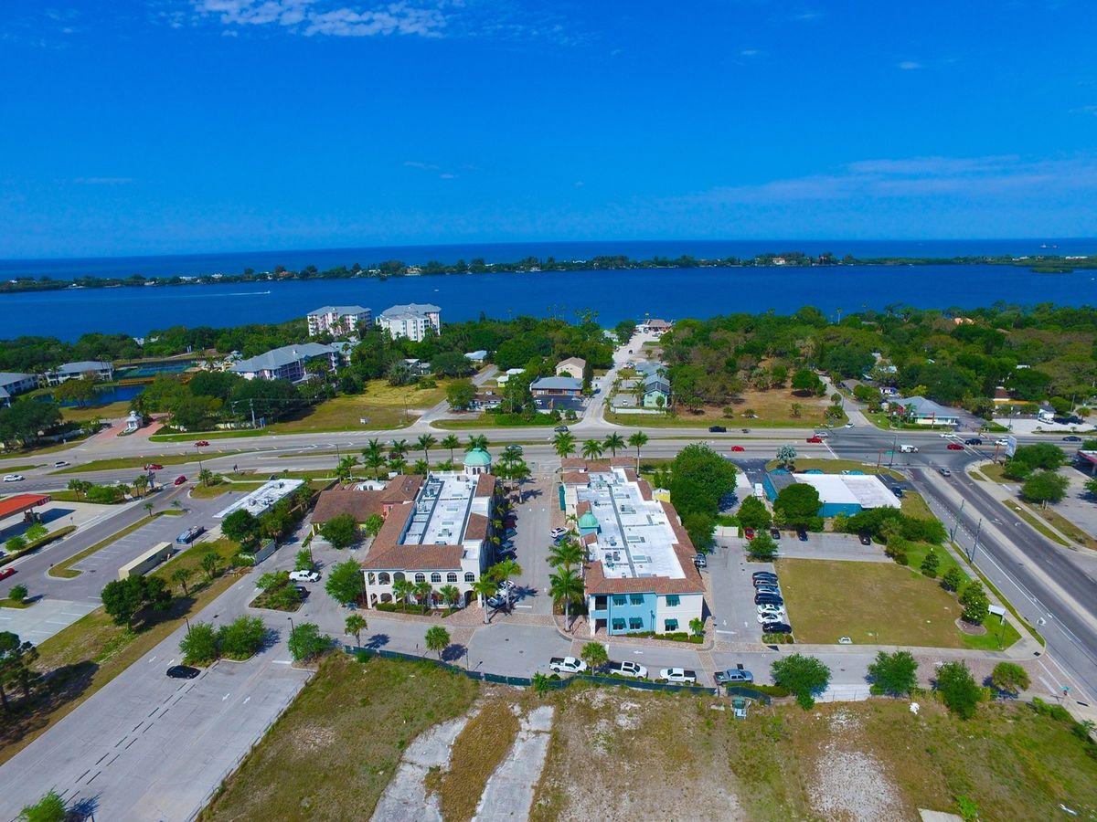 3976 Destination Dr, Osprey, FL 34229 - photo 6 of 13