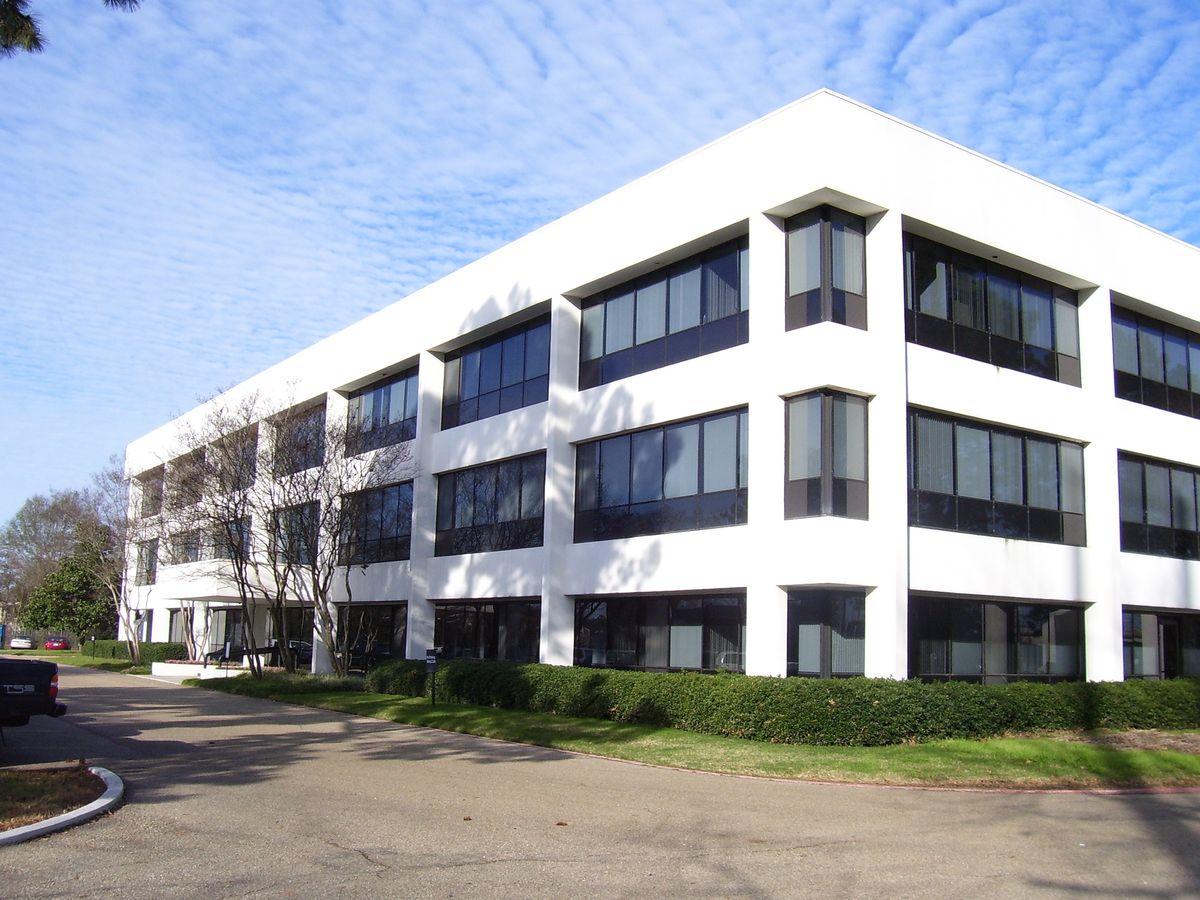 11000 mead rd baton rouge la office for lease catylist for Building an estate