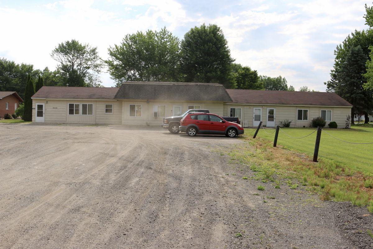 One Bedroom Apartments In Saginaw Mi 6650 N Michigan Road Saginaw Mi Retail Commercial For