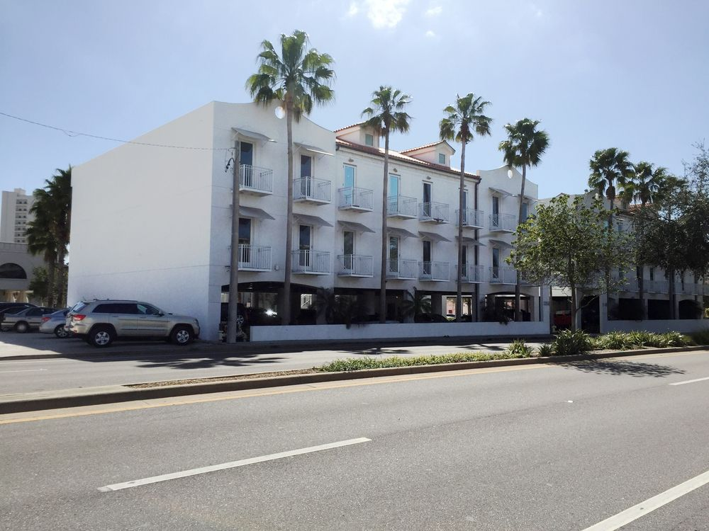 1358 Fruitville Road, Unit 310, Sarasota, FL 34236 - photo 2 of 17