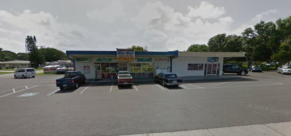 3621 S Tuttle Ave, Sarasota, FL 34239