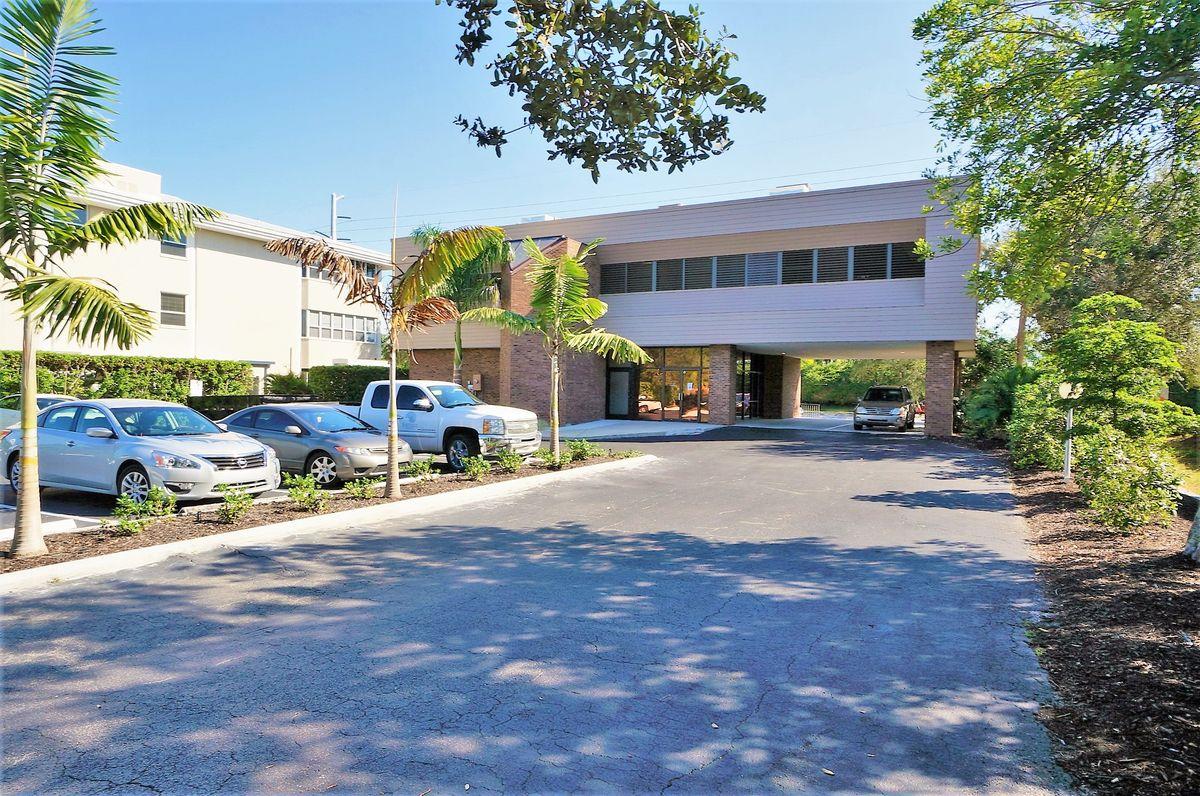 7126 S Beneva Rd, Sarasota, FL 34238 - photo 8 of 14