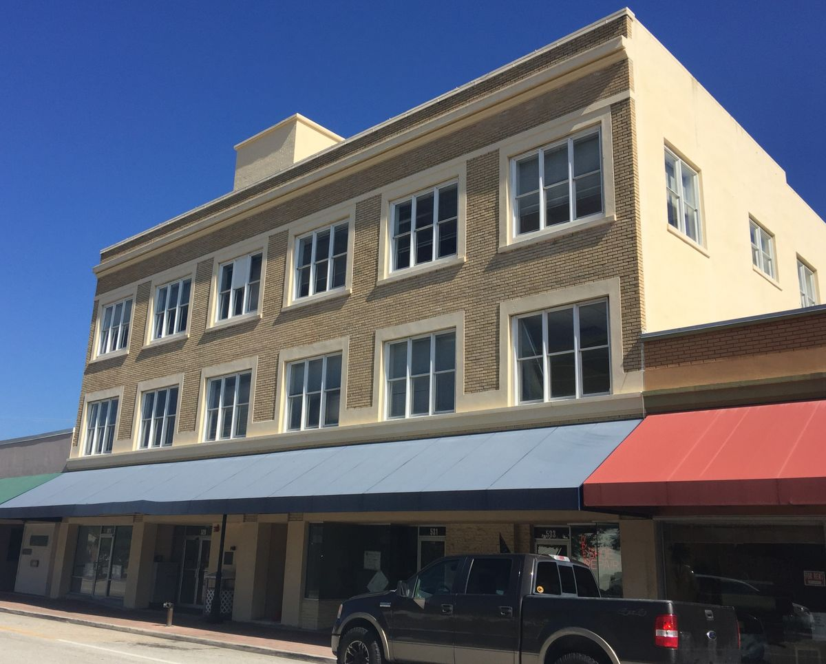 City Hall Shoe Shop Th Street West Bradenton Fl