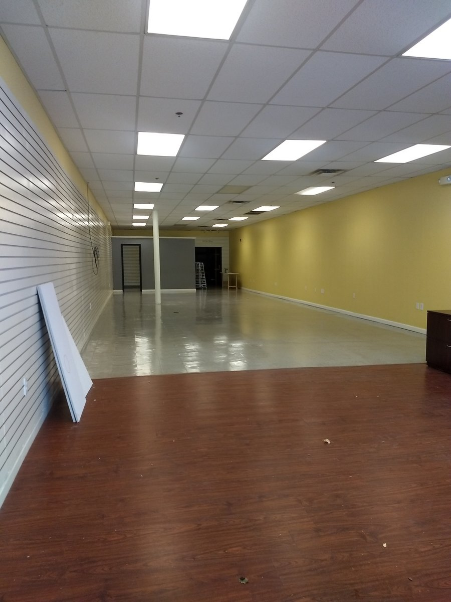 Center St Retail & Office Space