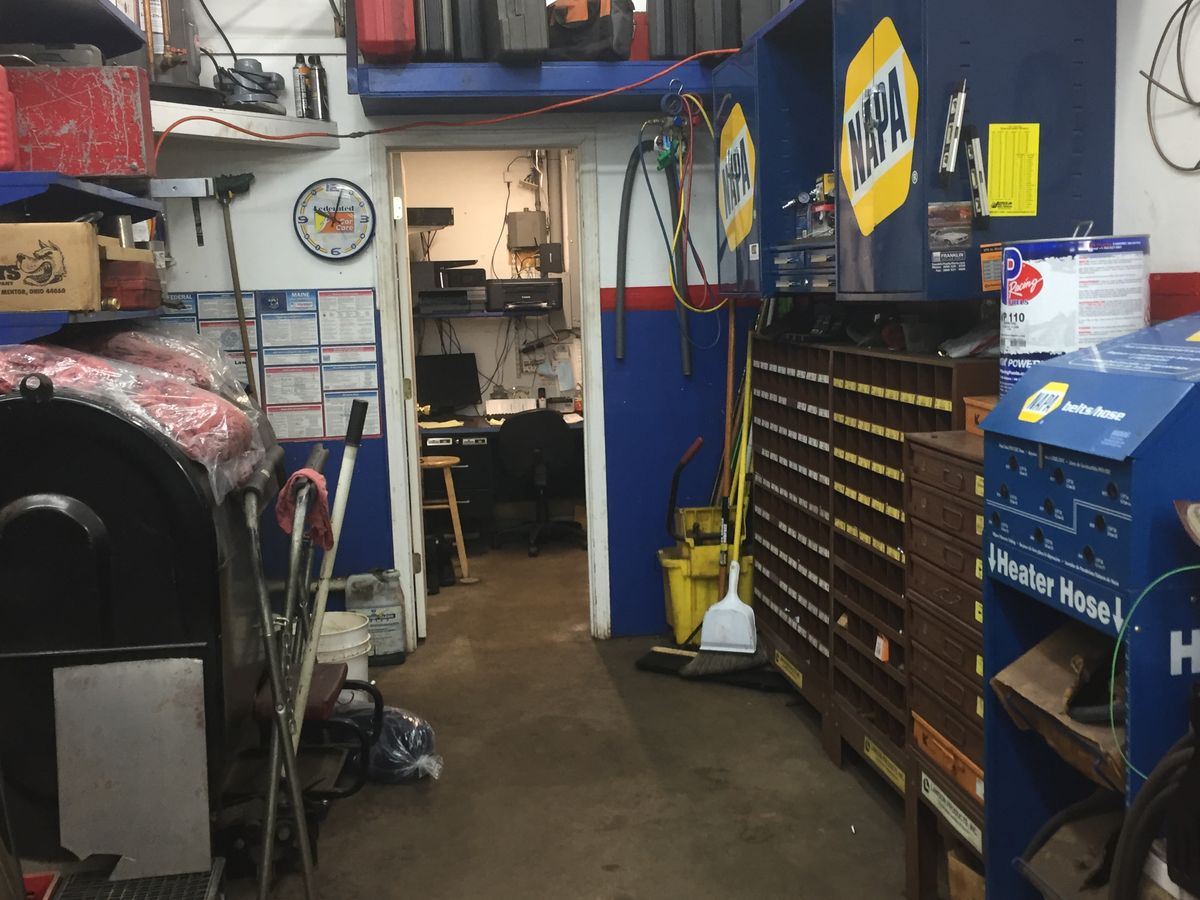 Auto Repair with Gas