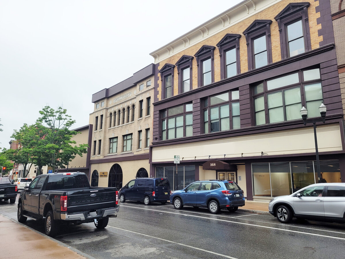 MULTIPLE MIXED USE SPACES FOR LEASE