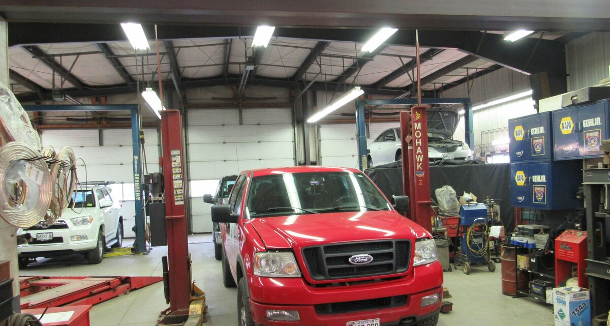 Auto Repair Free Standing Building